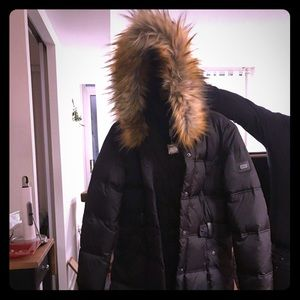 BNWT dkny puffer coat. Warm rating and faux fur